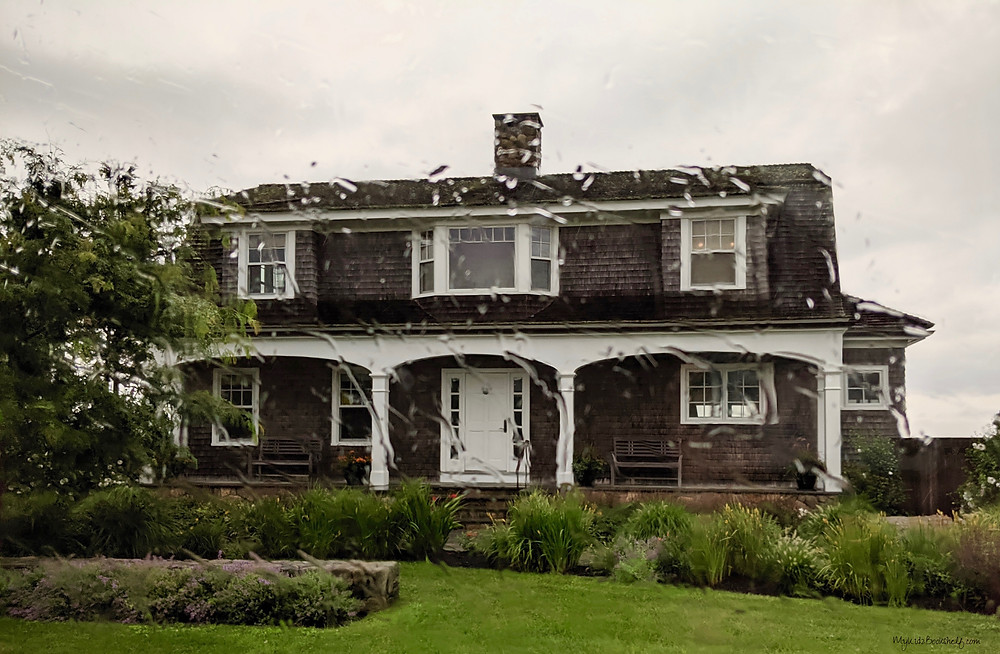 Chief-Brody's-house-from-the-movie-Jaws-Seas-the-Day-at-Martha's-Vineyard