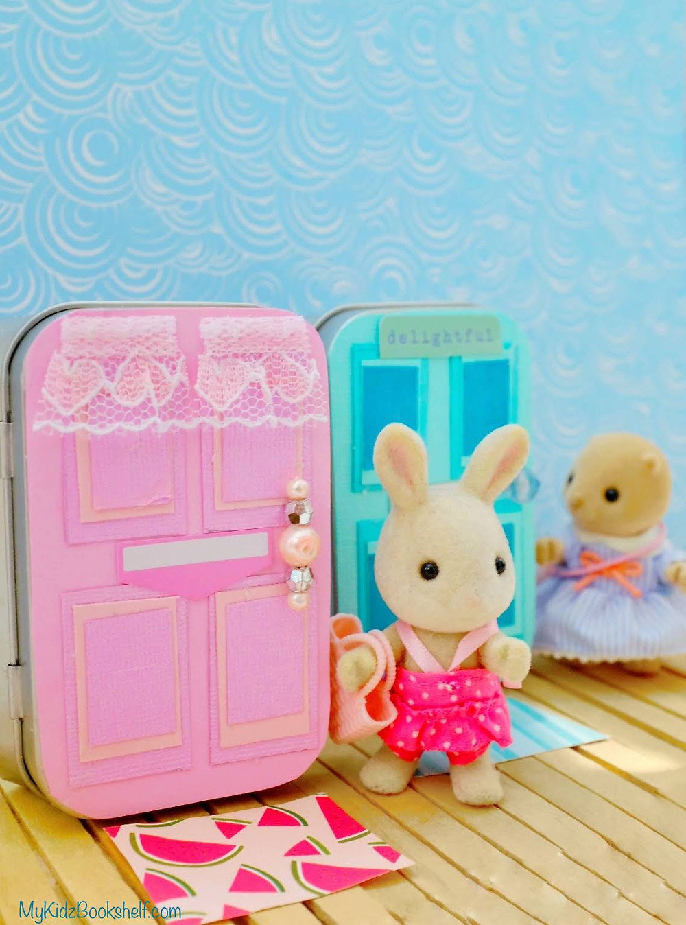 DIY - Make Your Own A-Door-Able Altoid Tin Craft for Kids of All Ages! Calico Critter Sylvanian Family bunny and sea otter by pink door