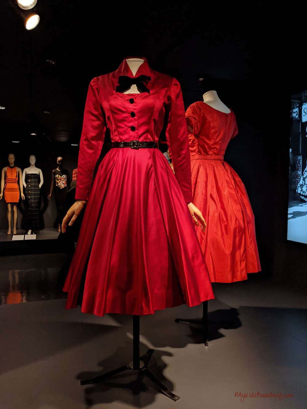 red-dresses-from FIT-exhibit-fit-and-flare-Paris-