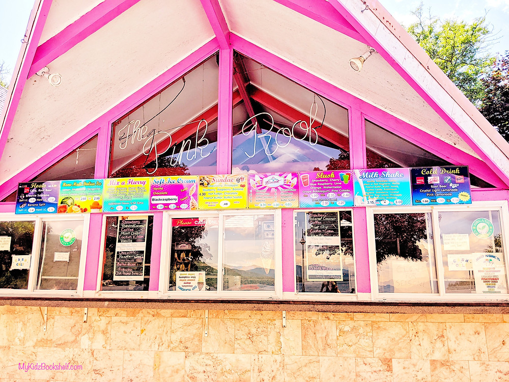 the Pink Roof Ice Cream stand in Lake George, New York