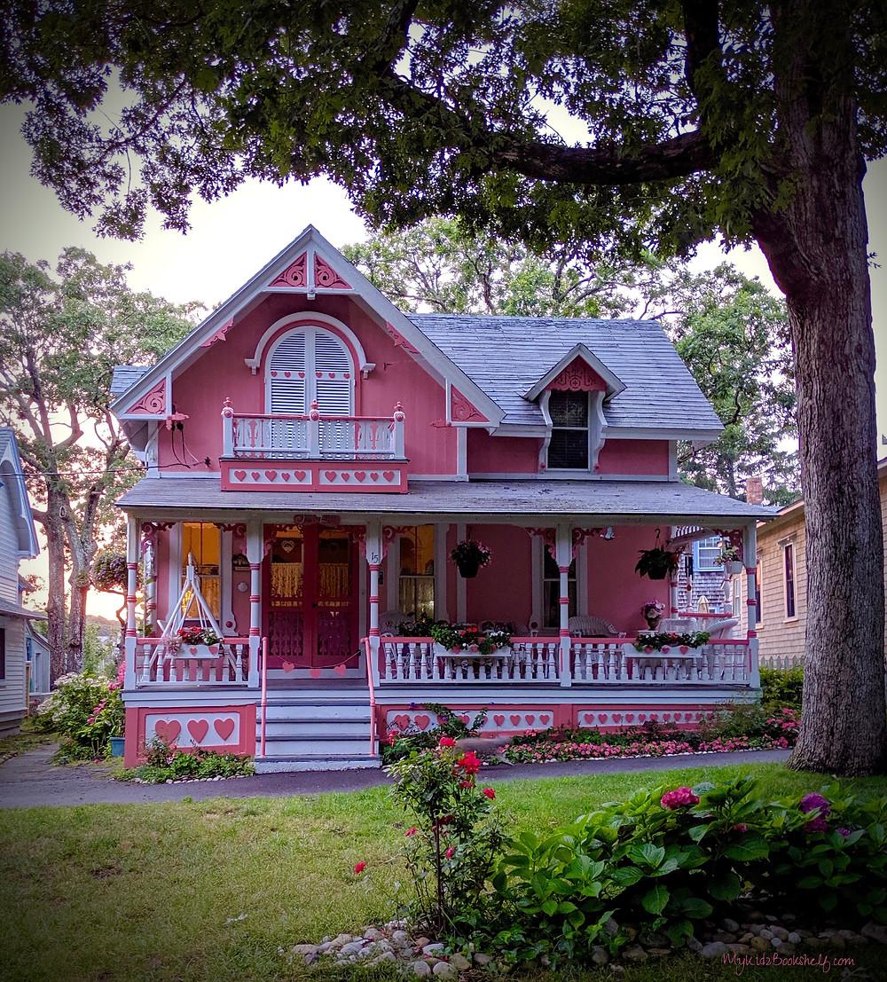 Oak-Bluffs-gingerbread-cottage-Seas-the-Day-at-Martha's-Vineyard