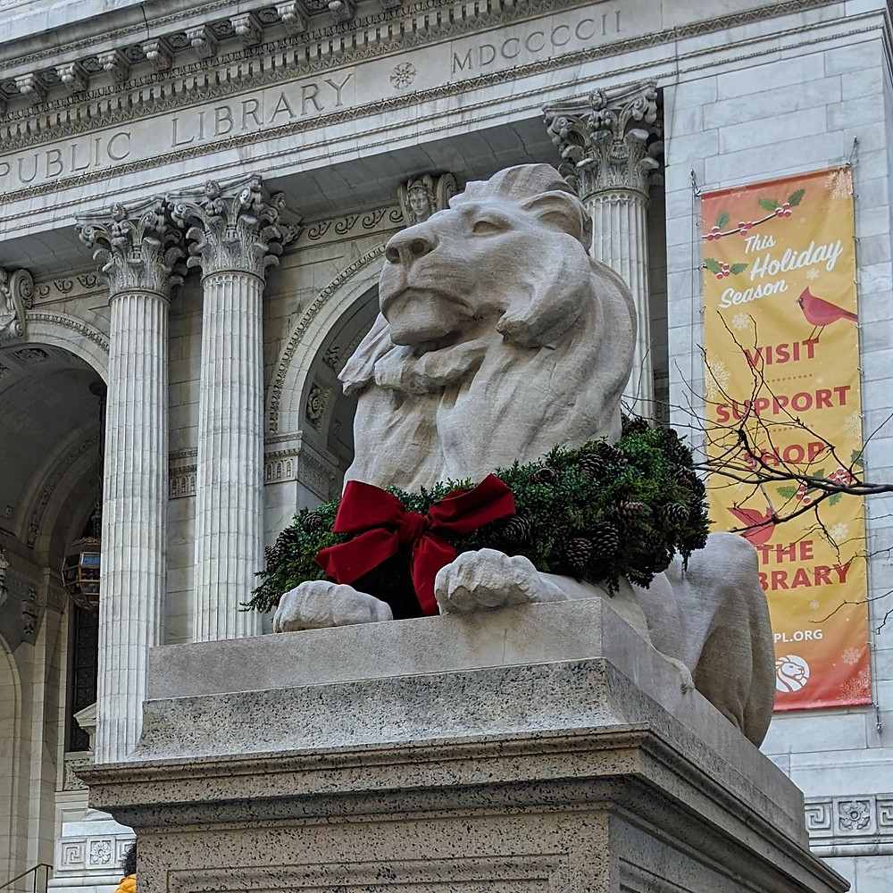 stone-lion-statue-outside-the-New-York-Public-Library