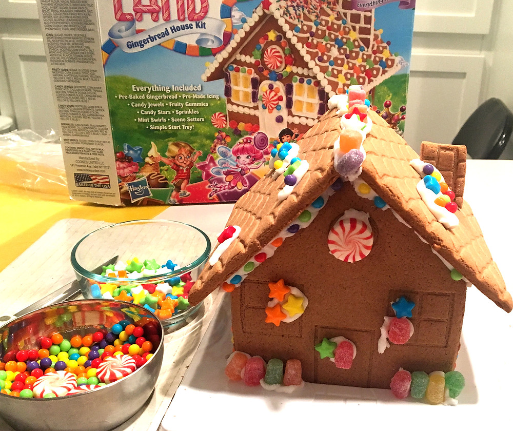 gingerbread-house-kit-with-gingerbread-house-built
