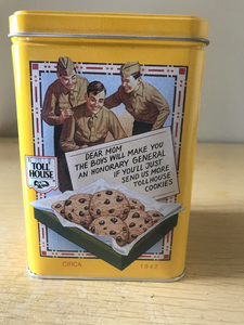 scene on toll house tin Nestle chocolate chip cookies of soldiers sharing cookies