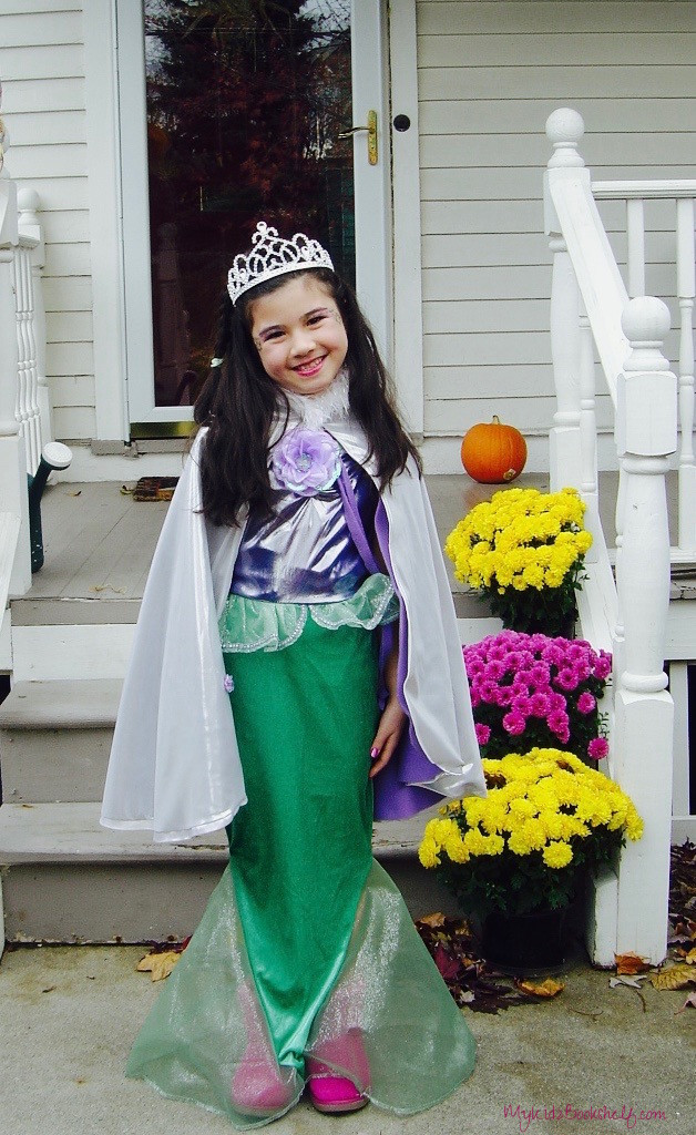 little-girl-dressed-up-in-mermaid-costume