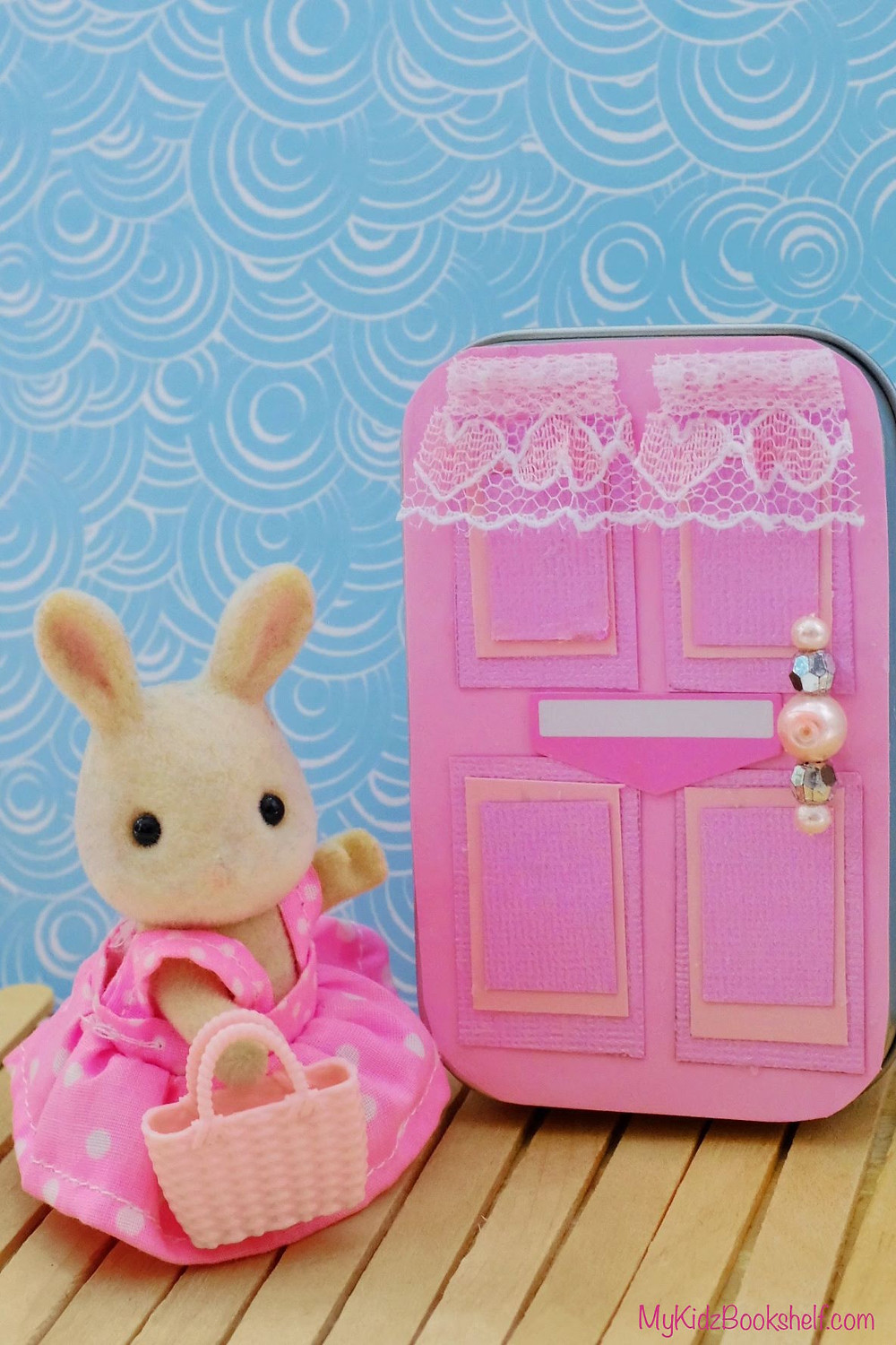 DIY - Make Your Own A-Door-Able Altoid Tin Craft for Kids of All Ages! Calico Critter Sylvanian Family bunny by pink door