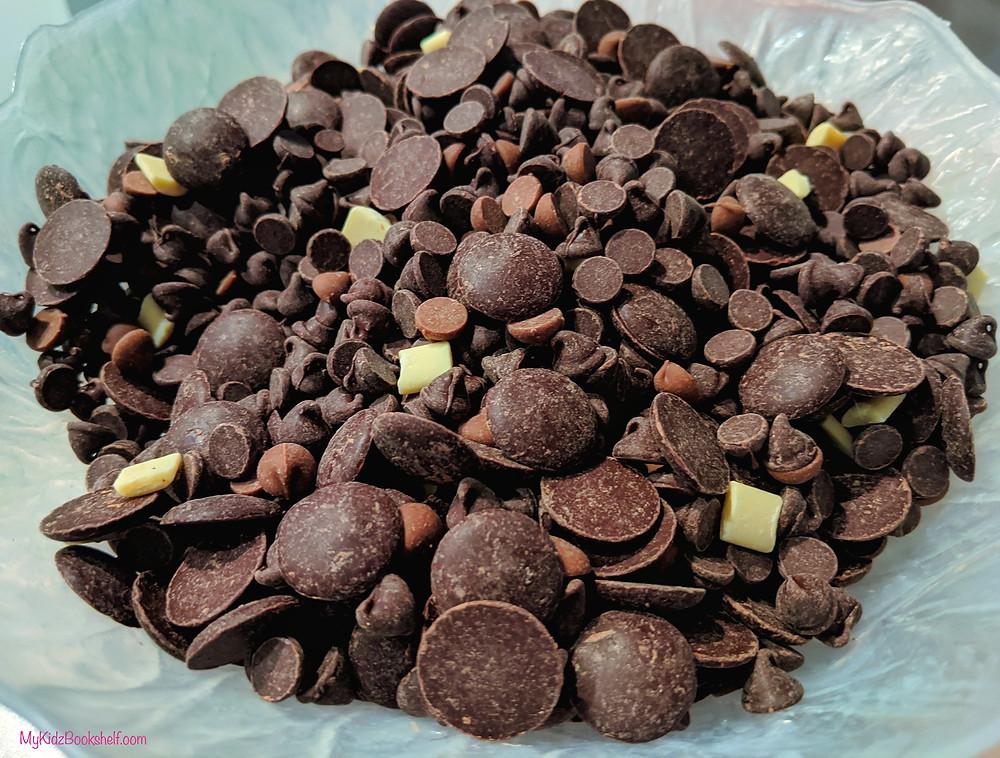 chocolate chips, dark chocolate pastilled, white chocolate chunks, milk chocolate chips