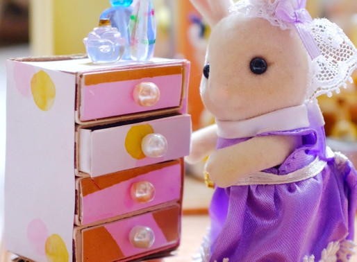 DIY: Make a Mini Matchbox Dollhouse Dresser!