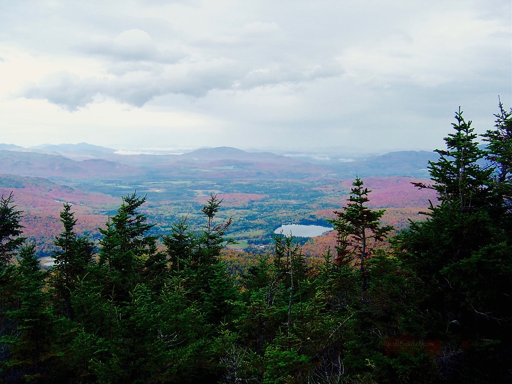 View-of-the-mountains-and-sky-in-the-Adirondacks