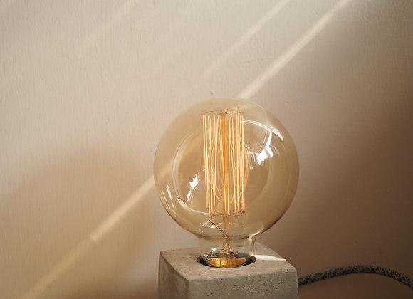 Tungsten Lamp ( Big Circle)  鎢絲圓形直紋燈泡(大)