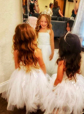 Flower girls in bridal suite