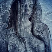 Mujer en azul 40x40 copy.jpg