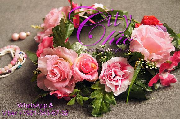"""Венок из нежных роз с листьями """"Романтика"""""""