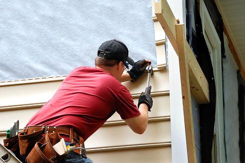 Siding Specialist Repairing Home Vinyl Siding In Atlanta Georgia