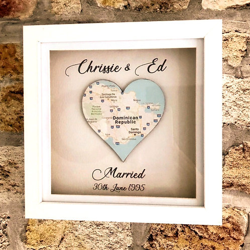 Single heart personalised map in frame