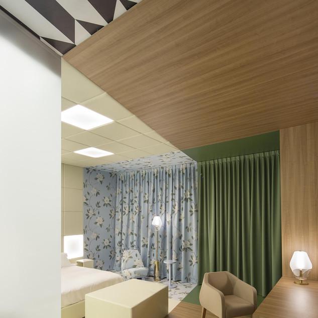 EQUIP_HOTEL-01-HD.jpg