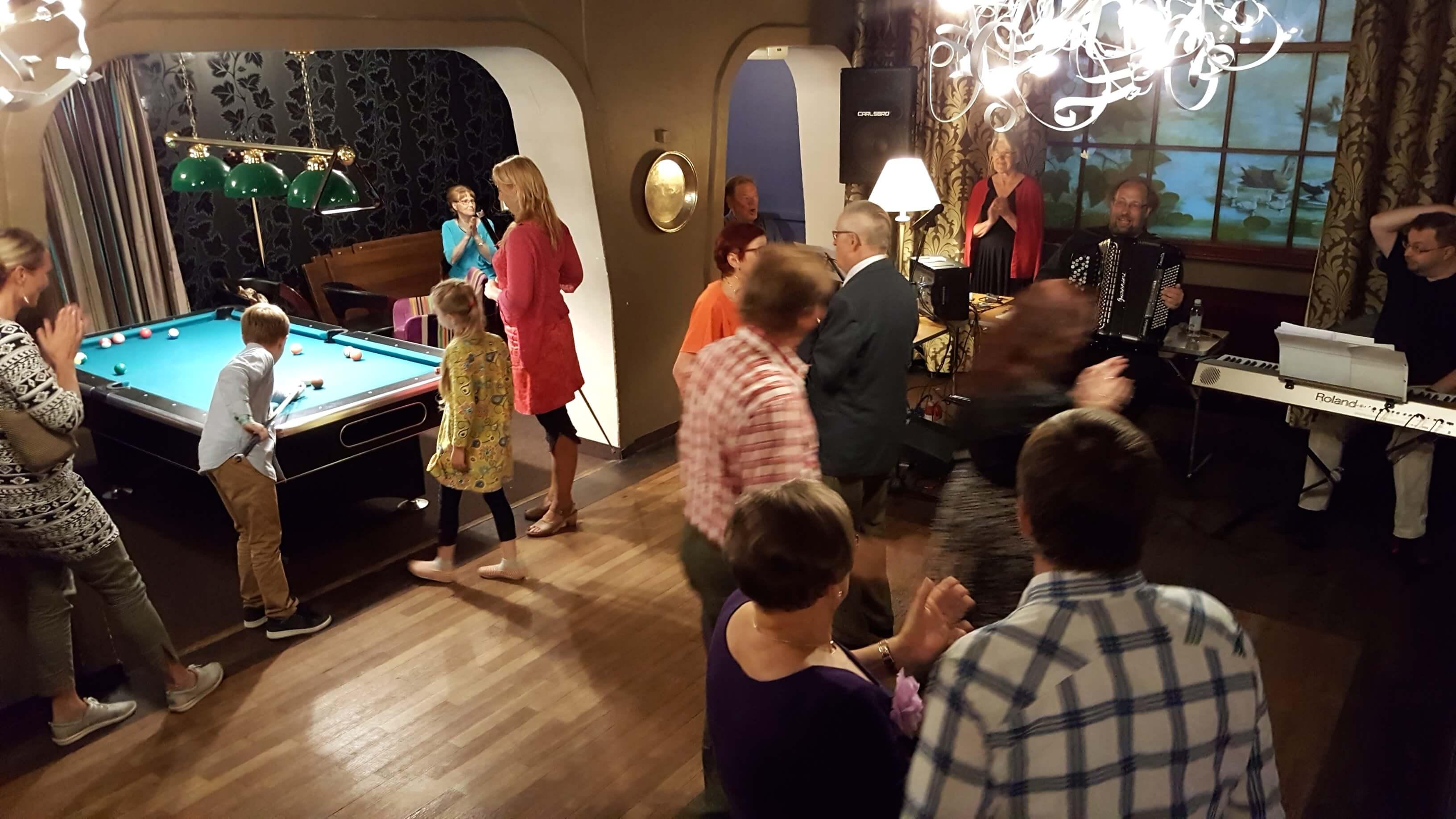 Illan viettoa Linna klubissa