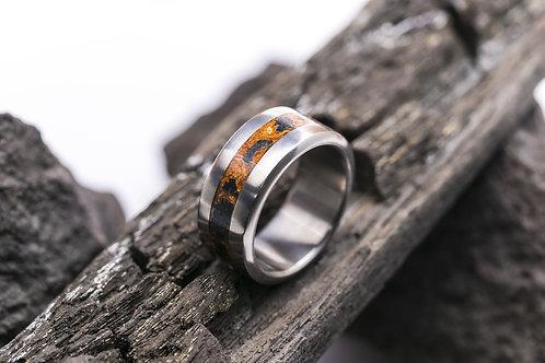 Авторское кольцо из титана с инкрустацией вулканической лавой
