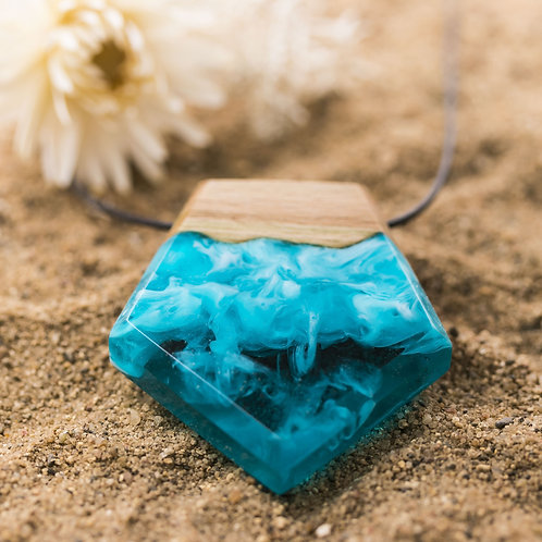 Pendant Aqua wood resin necklace (Pentagon)