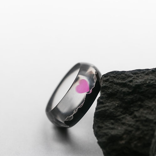 Wood resin ring Heart Pink
