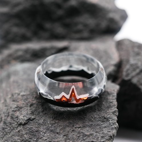 Wood resin ring Heart Beat
