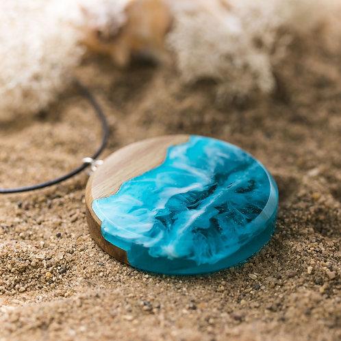 Pendant Aqua wood resin necklace (Circle)