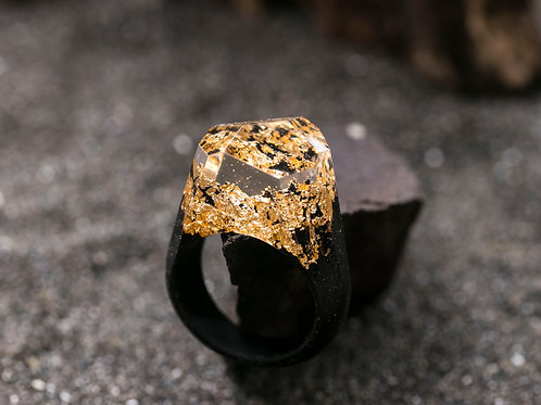 "Wood Ring ""Golden Mountain"""