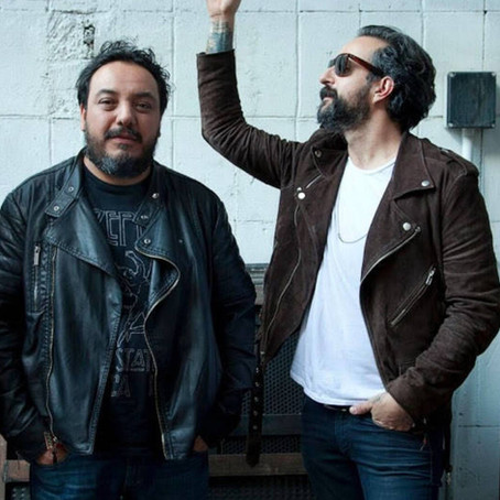 El grupo mexicano molotov interpone una demanda por el uso indebido de su canción 'Voto latino'.