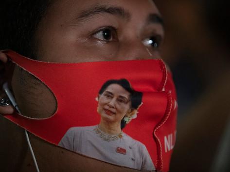 """""""မြန်မာနိုင်ငံတွင် ဒီမိုကရေစီစနစ် ပုံစံအသစ်တစ်ခု လိုအပ်သည်"""""""