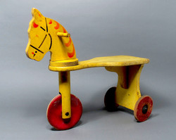 Tricycle cheval