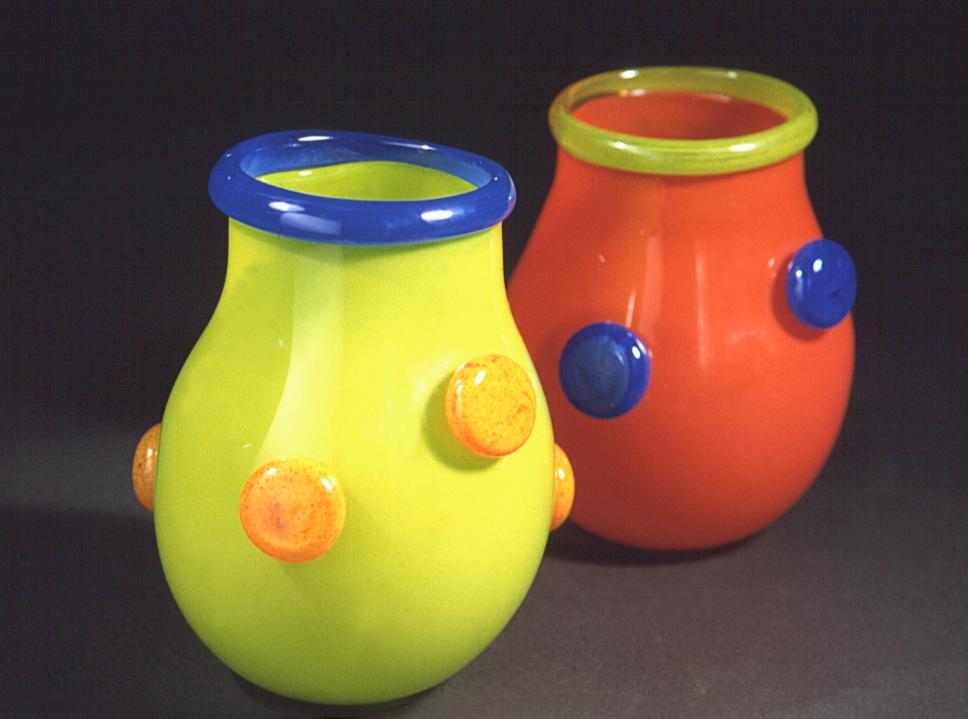 Vases à pois
