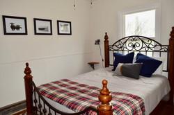 Ranch Room w/ Queen Bed