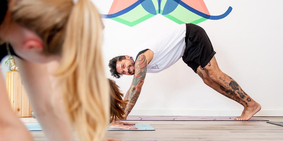 EINSTEIGERKURS: Yoga Basics