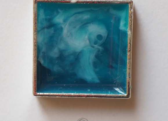 Breaking waves square resin pendant
