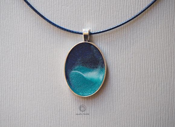 Oval sea pendant