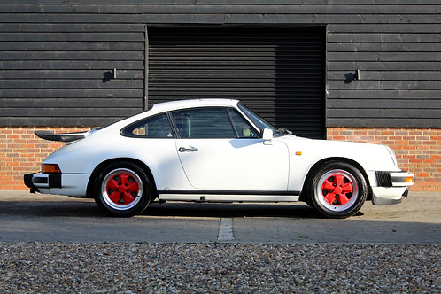 Porsche 911 3.2 Carrera Sport