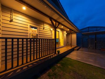 諫早市の工務店スマイフルホームで新築した長崎の格好いい注文住宅の夜外観