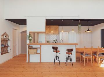 諫早市の工務店スマイフルホームで新築した長崎の格好いい注文住宅のキッチン