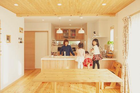 諫早市の工務店スマイフルホームで新築した長崎の注文住宅のリビング