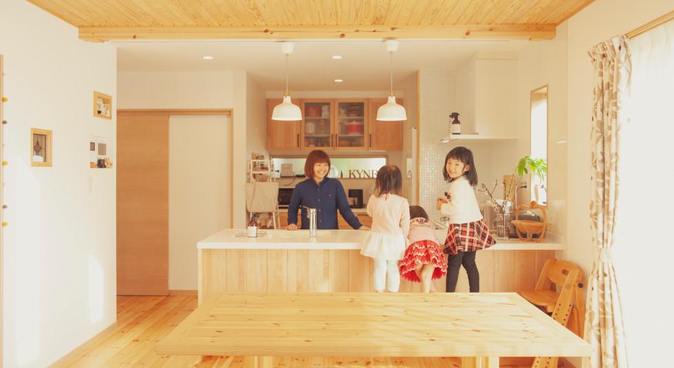 諫早市の工務店スマイフルホームで新築した長崎の可愛い注文住宅のダイニング