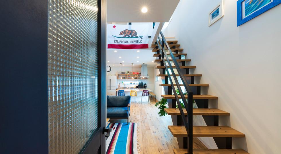 諫早の工務店スマイフルホームで新築した大村の注文住宅のスケルトン階段