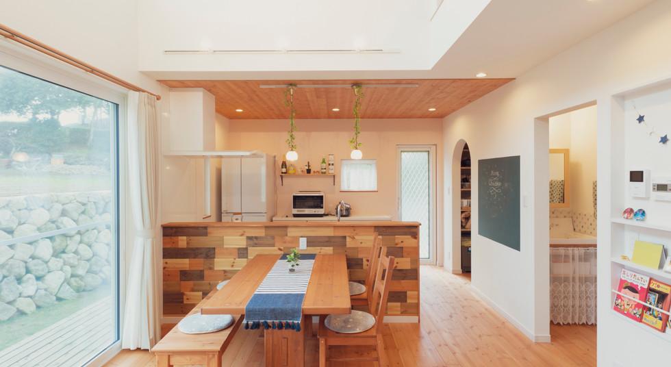 諫早市の工務店スマイフルホームで新築した長崎の注文住宅のダイニング