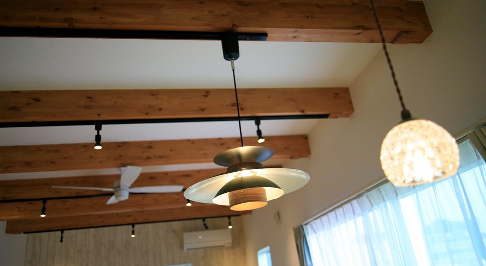 諫早市の工務店スマイフルホームで新築した長崎の注文住宅のランプ