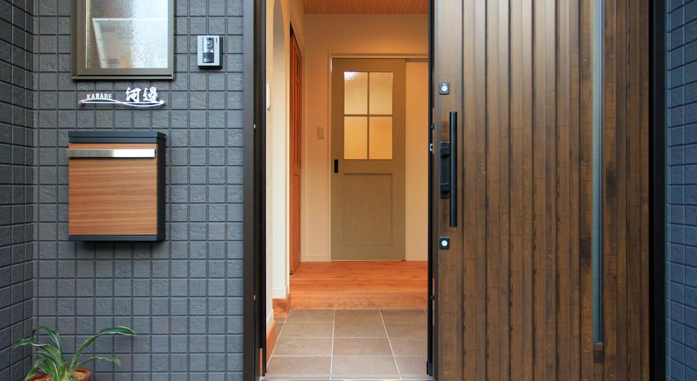 諫早市の工務店スマイフルホームで新築した長崎の注文住宅の玄関