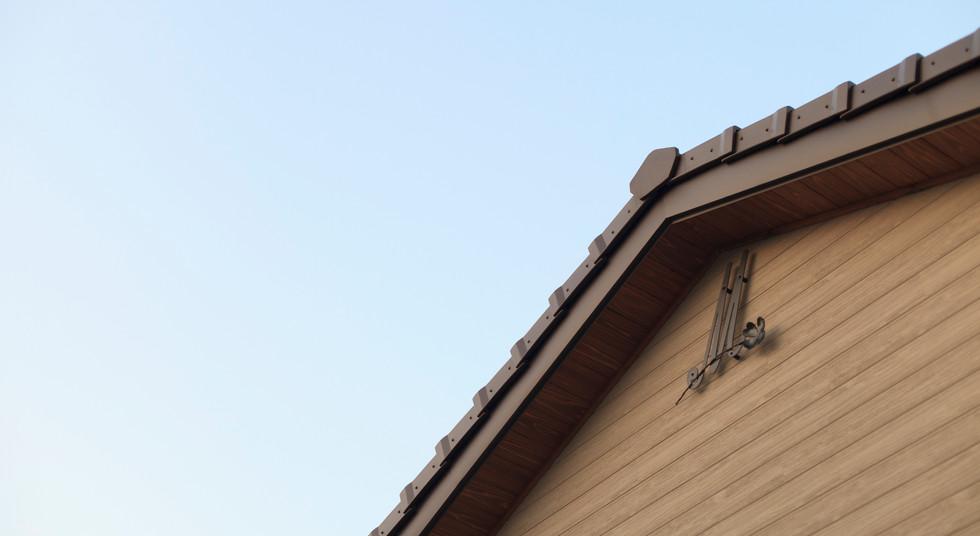 諫早市の工務店スマイフルホームで新築した長崎の注文住宅の屋根飾り