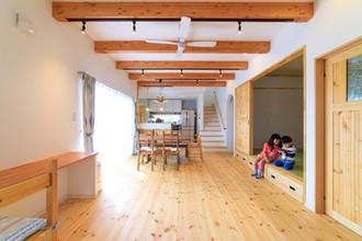 諫早市の工務店スマイフルホームで新築した長崎のクールな注文住宅のリビングルーム