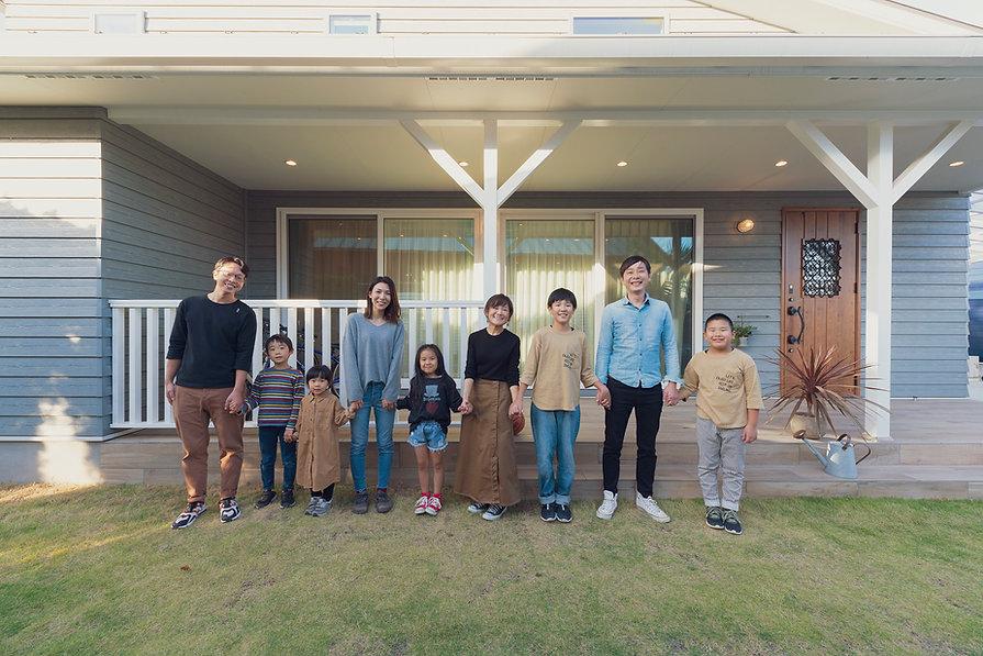 長崎・諫早市の新築注文住宅会社のスマイフルホームが撮影した家族写真