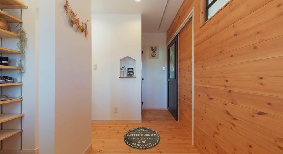 諫早の工務店スマイフルホームで新築した島原の注文住宅の玄関