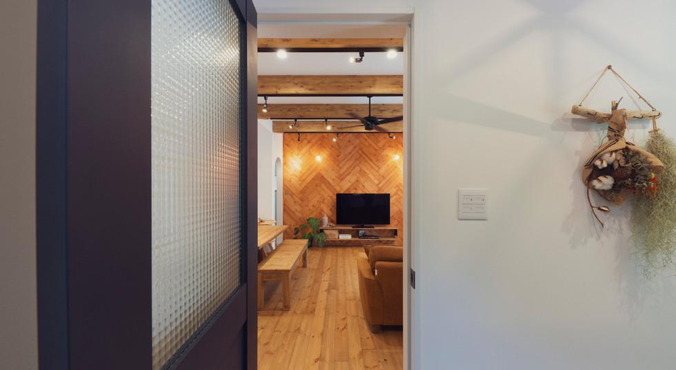 諫早の工務店スマイフルホームで新築した大村の注文住宅のエントランス