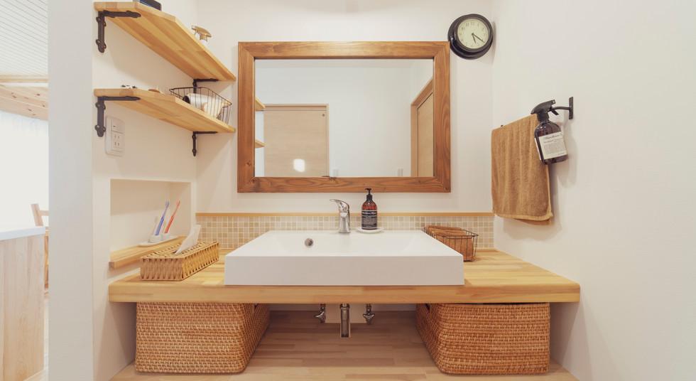 諫早市の工務店スマイフルホームで新築した長崎の可愛い注文住宅の造作洗面台